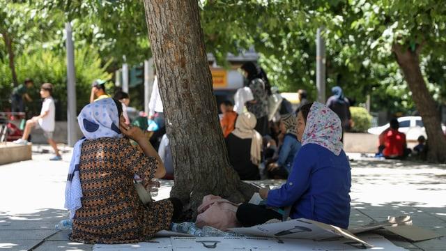 Anerkannte Flüchtlinge campieren im Park