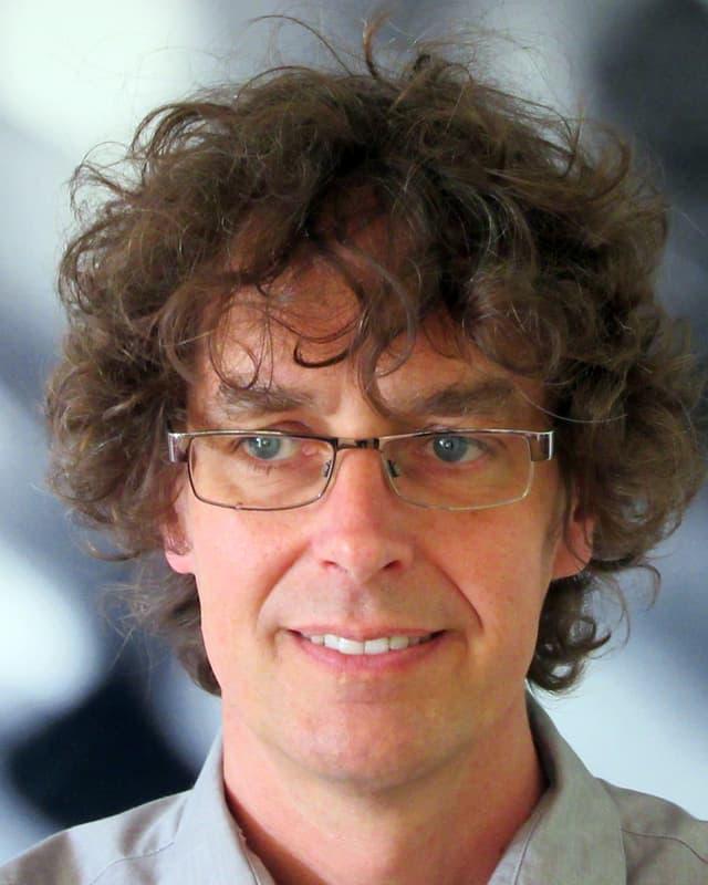 Portraitaufnahme von Prof. Stefan Brönnimann