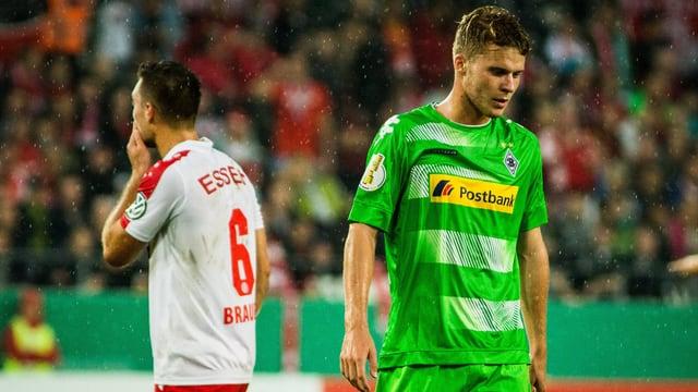 Nico Elvedi und Mönchengladbach mussten gegen Rot-Weiss Essen lange zittern.