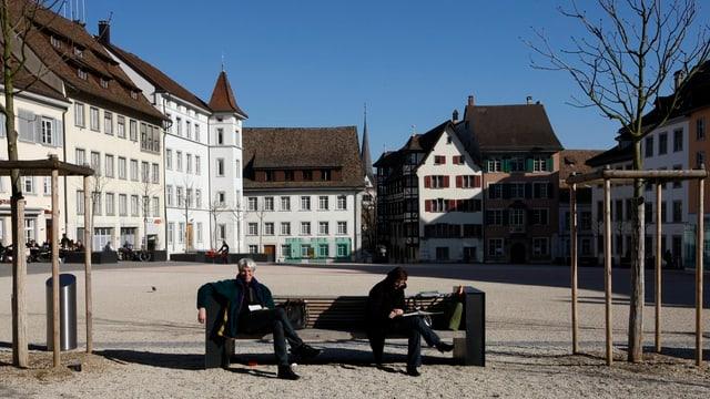Platz mit alten Stadthäusern