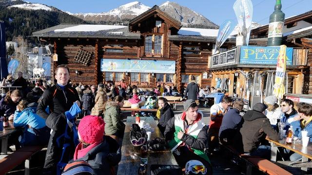 Bergrestaurant mit Menschen