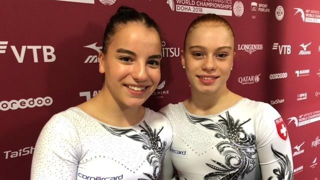 Anina Wildi und Leonie Meier im Gruppenbild