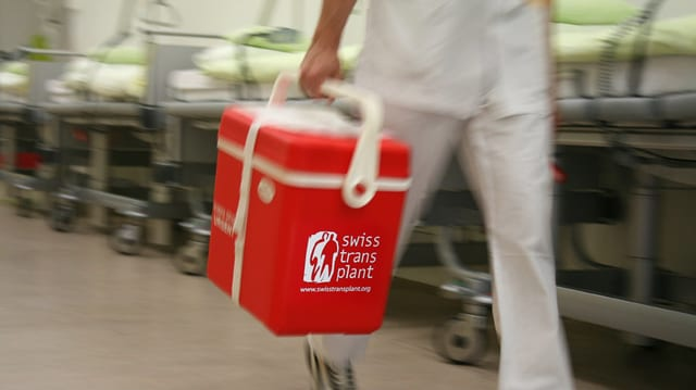 Organs per transplantaziuns èn stgars en Svizra.