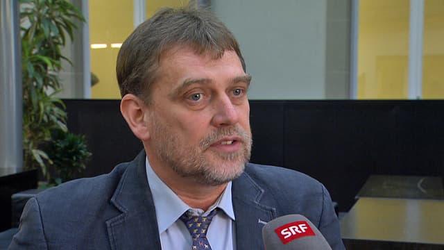 Porträt Mirko Novák.