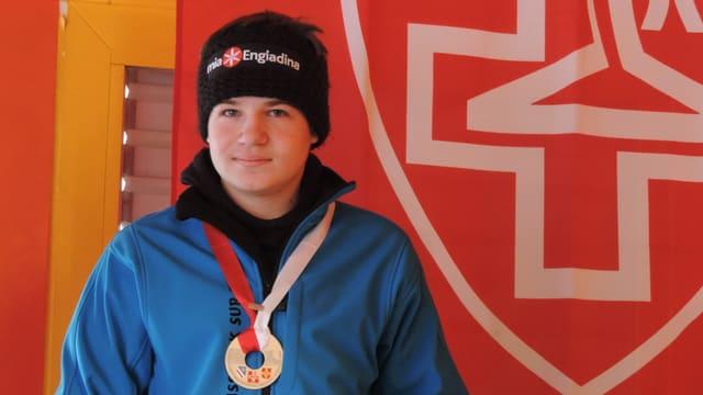 Orlando Bass, il campiun svizzer (sut 16) en trair tschoccas