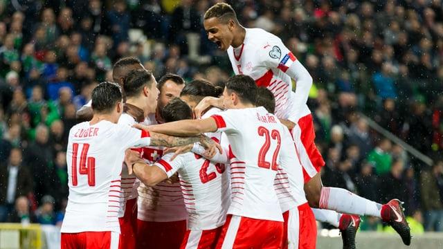 Schweizer Nationalmannschaft jubelt