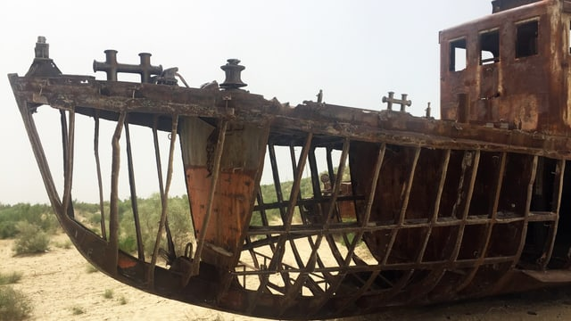 Rostiges Schiffsgerippe