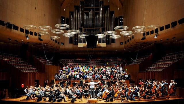 Orchester probt im Konzertsaal