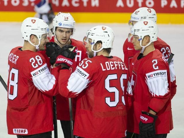 Schweizer Eishockeyspieler auf dem Eis