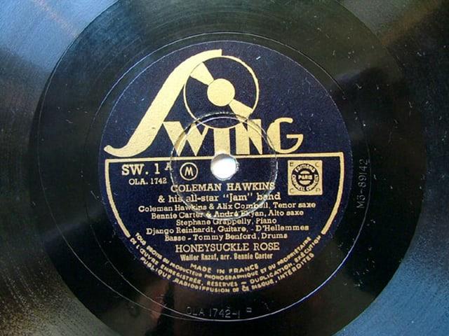 Die Schallplatte mit einer «Honeysuckle Rose»-Aufnahme aus dem Jahr 1937 mit Django Reinhardt, Coleman Hawkins und Benny Carter.