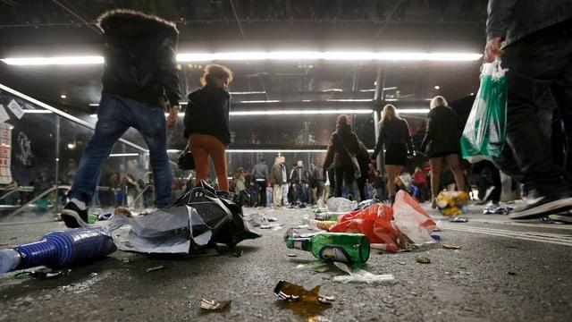 Abfall, Chaos und Zerstörung am «Tanz dich frei»: die Stadt Bern reicht Strafanzeige ein.