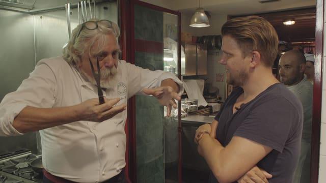 Video «Stereotyp: Italien (1/8)» abspielen