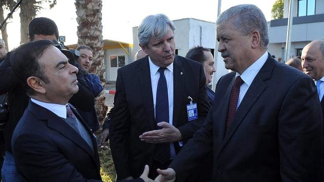 Handschlag von Sellal mit Ghosn in Oran.