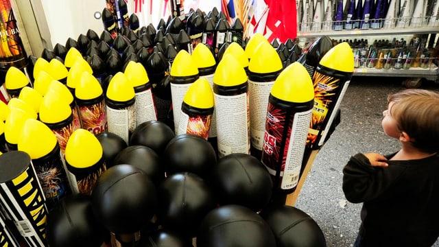 Feuerwerkverkauf in einem Laden