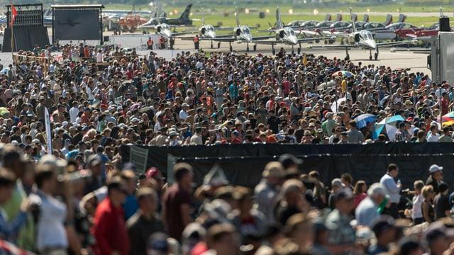 Blick auf die Menschenmassen an der Air14.