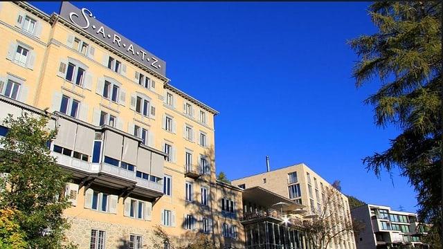Hotel Saratz cun tschiel blau