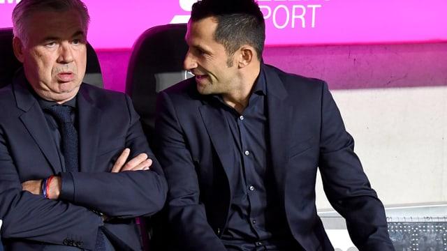 Bayern-Coach Carlo Ancelotti und Sportdirektor Hasan Salihamidzic (r.).