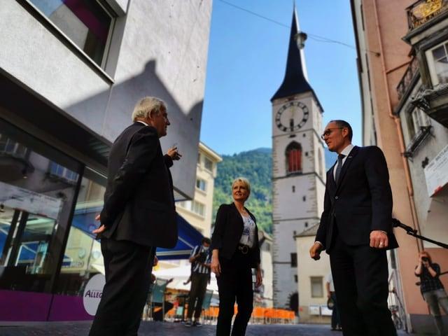 Da dretg: president da la Regenza dr. Christian Rathgeb, presidenta dal Cussegl naziunal Isabelle Moret ed il president dal Cussegl dals chantuns Hans Stöckli.