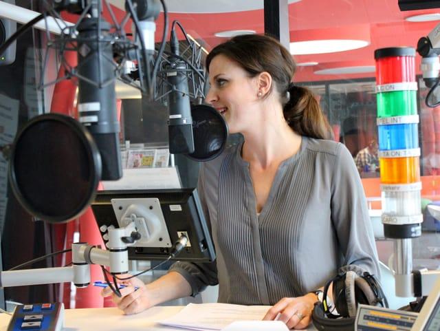 Cornelia Bösch im Radiostudio.