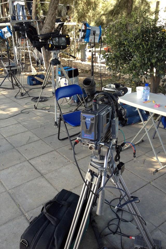Fernsehkameras vor dem Parlament in Nikosia