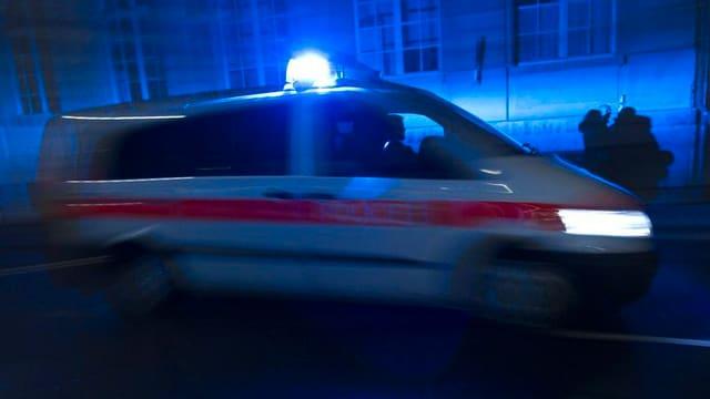 Ein Polizeiauto im Einsatz.