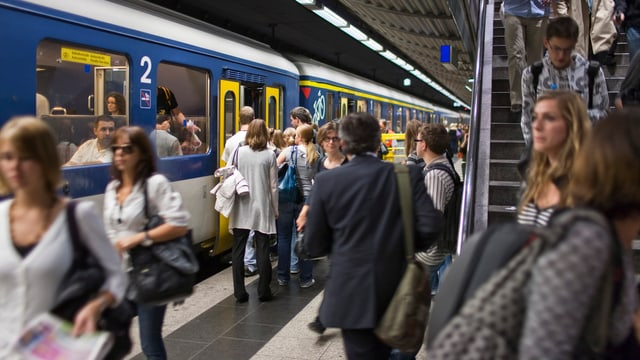 Unterirdischer Bahnhof.