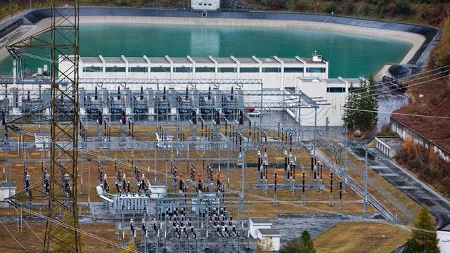 Ova electrica Pradella da las Ovras Electricas Engiadina SA.