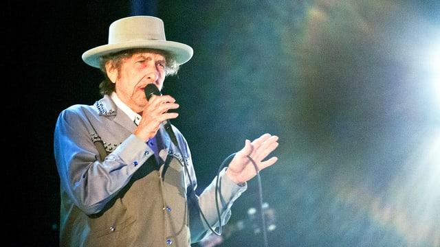 Bob Dylan auf der Bühne.