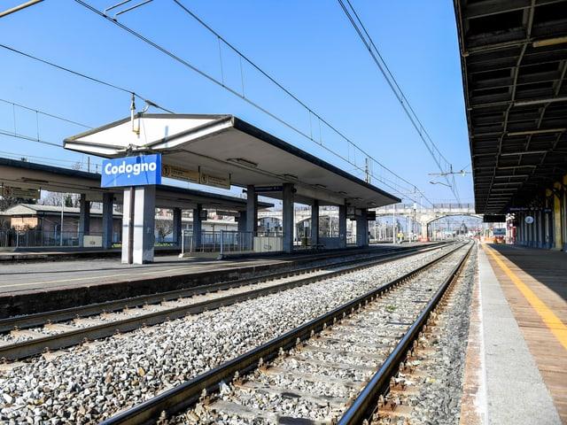 Uma estação de trem vazia