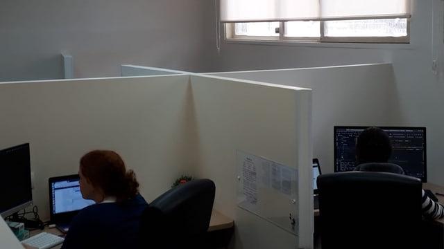 Die Frauen arbeiten auf einer abgetrennten Etage.