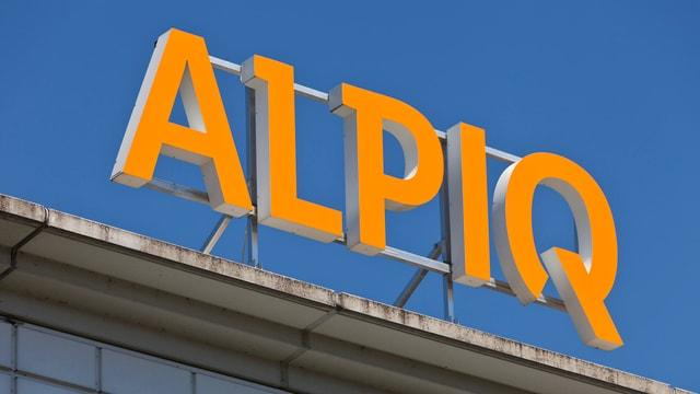 Logo von Alpiq auf einem Gebäude.