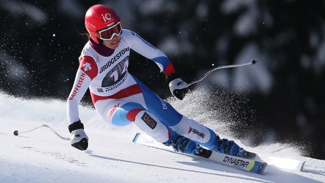 Dominique Gisin va cun skis