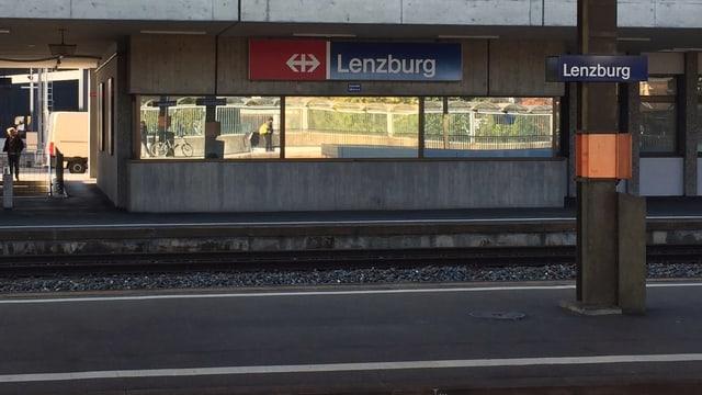 Bahnhofsperrons in Lenzburg.