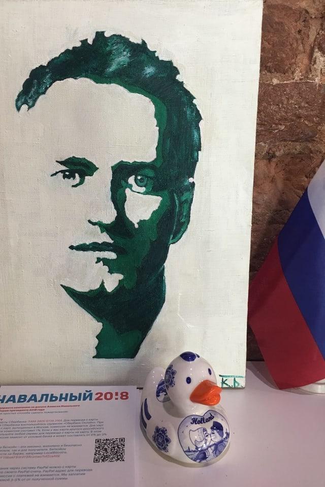 Eine Schablone von Navalny.
