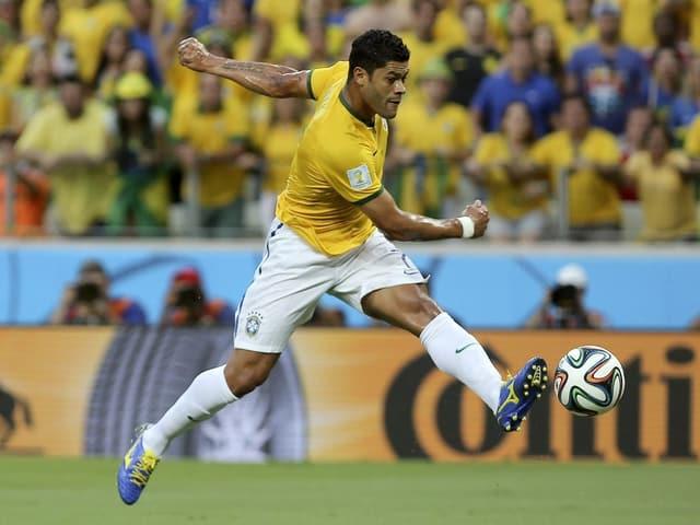 Der brasilianische Stürmer Hulk in Aktion.