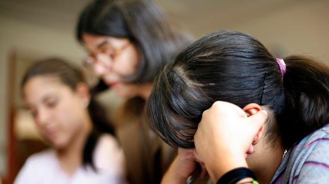 Jugendliche im Schulunterricht