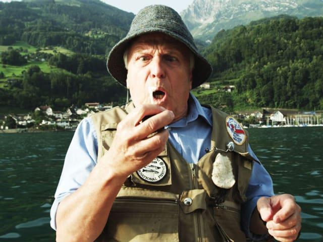 Walter Andreas Müller in einem Boot