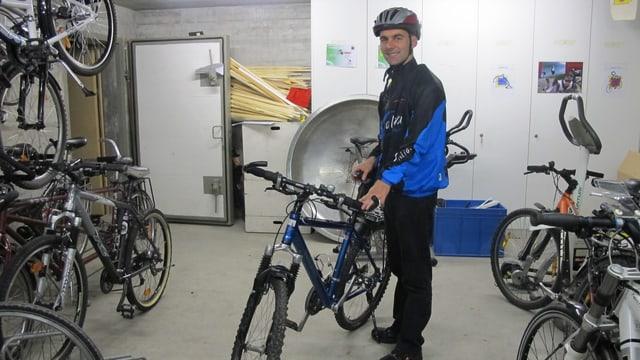 Markus Mändli mit seinem Rad