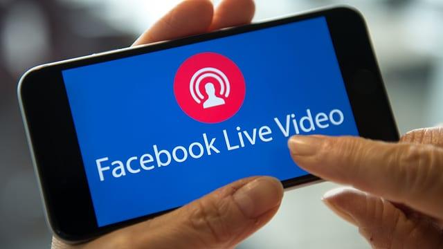 Facebook Live Video Programm auf einem Smartphone