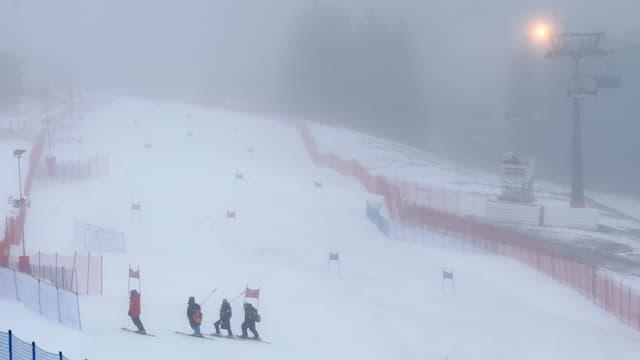 pista cun nebla