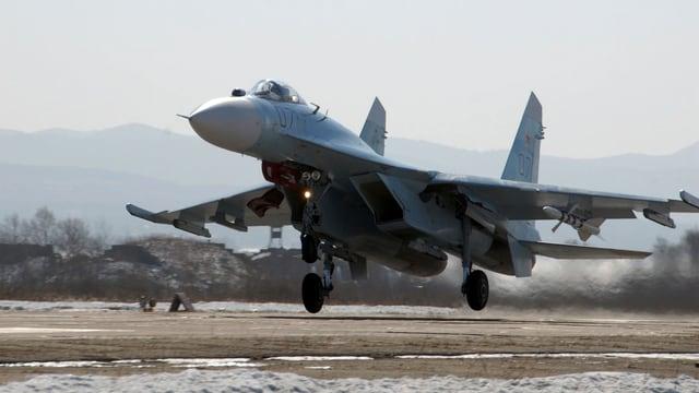 Zu sehen ein russisches Kampflugzeug.