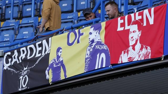 Die Fans ehren Eden Hazard.