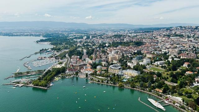 Luftansicht Lausanne mit See