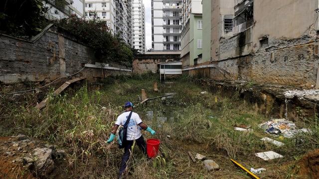 Giftsprüher gegen Moskito in Rio