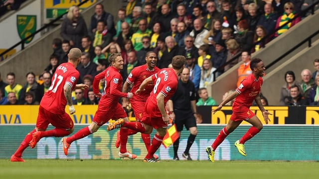 Raheem Sterling bejubelt seinen Treffer zur frühen 1:0-Führung.