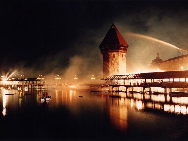 Die brennende Kapellbrücke.