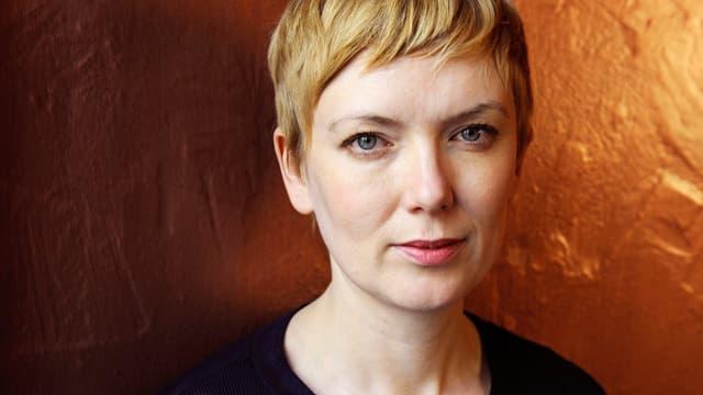 Porträt Julia Hölscher