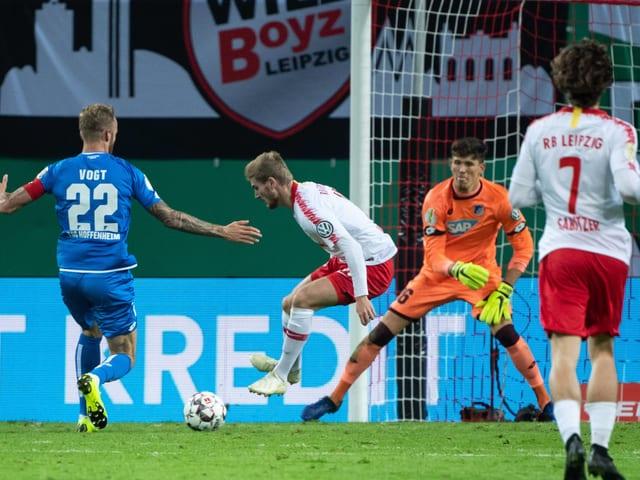 Leipzigs Timo Werner wirbelte durch die Hoffenheimer Abwehr.