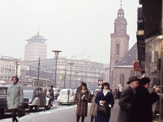 Frankfurt am Main: Die Innenstadt mit Kaufhof um 1960.