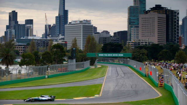 Melbournes Skyline beim letzten Rennen im Jahr 2017.
